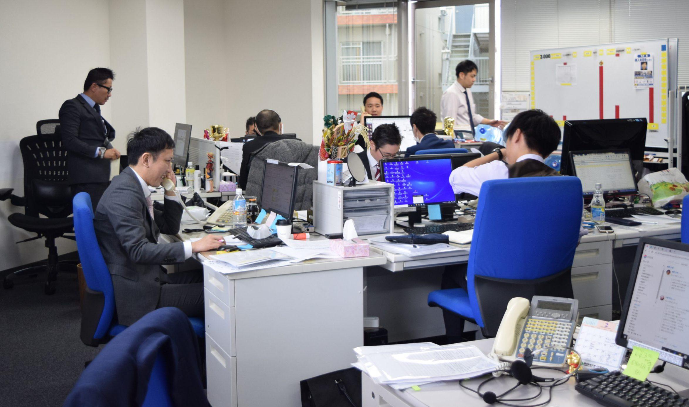 勤続年数3年社員の75%が年収1000万円超えの不動産会社【求人ページ制作】
